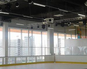 Каток в ТРЦ «Сити Молл»: Монтаж акустической системы подвесного типа, прокладка звуковых и световых линий